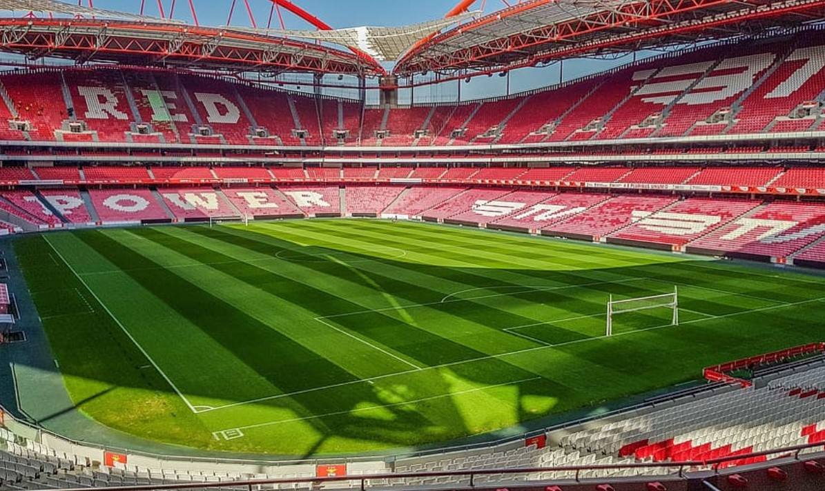 Two Benfica players injured following the bus attack