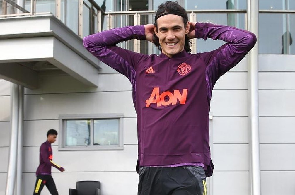 Four goals in and United are preparing an extension for Cavani