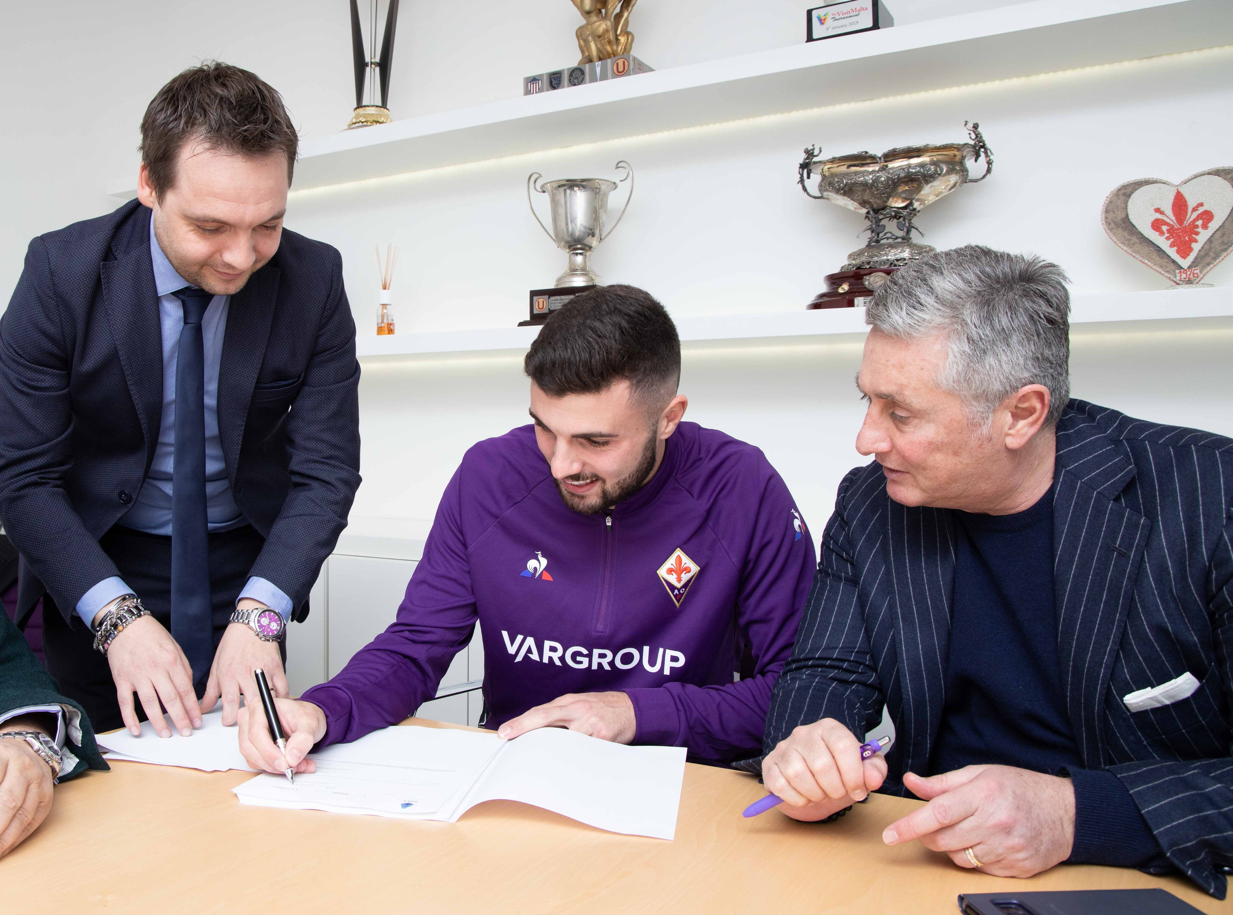 Cutrone is happy again: The striker signs a long-term deal with Fiorentina