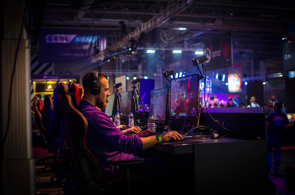 E-Sports - what it is and how did it became so big?