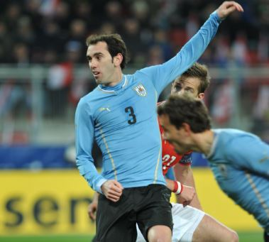 Inter signs Diego Godin on a free transfer