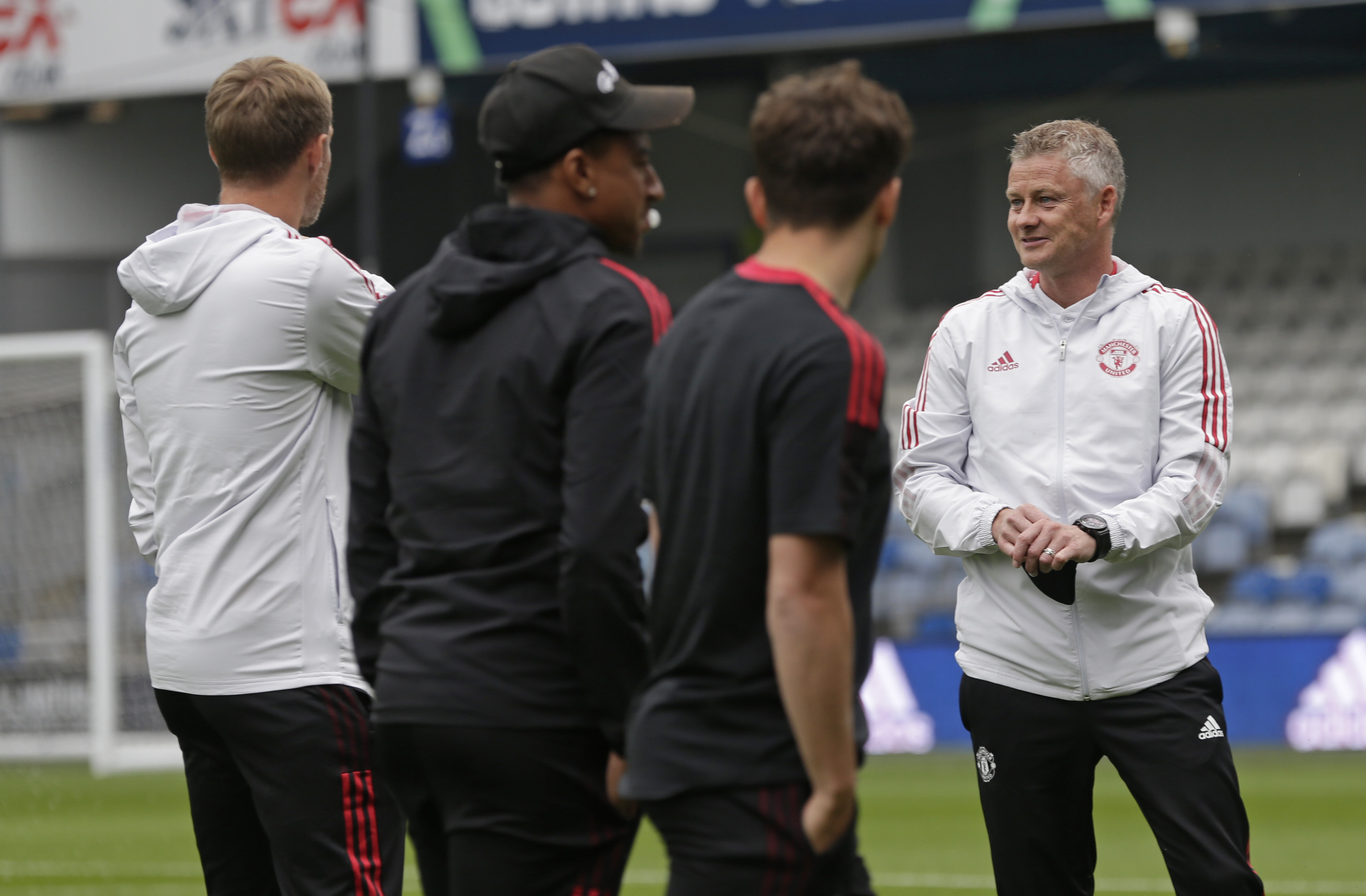 Solskjaer suggest Klopp is to blame for lack of penalty decisions in United's favour