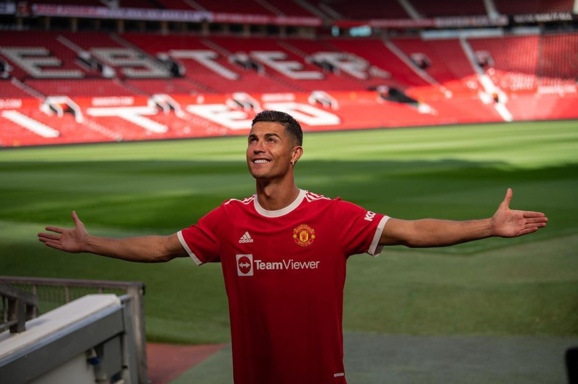 Cristiano is back and ready to win again! Is he the one to bring back the glory to Old Trafford?