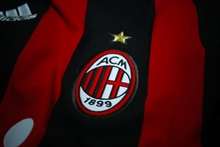 Milan claims a vital win in top four race