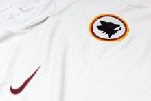 Roma finishes two major signings from Serie A sides