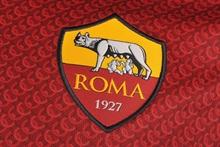 Roma loan an Italian right-back from England