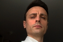 Berbatov criticizes United players for hugging with City's footballers but not because of social distancing