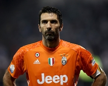 Buffon returns home and signs for Juve
