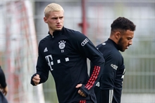 Bayern sells its young midfielder to Leeds but arranges a buy-back clause