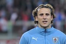 Diego Forlan announces retirement