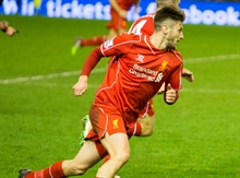 Liverpool prolongue Adam Lallana's contract with a short-term extension
