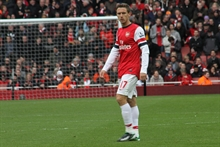 Arsenal says farewell to two players