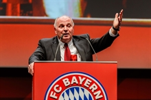 Uli Hoeness: Alaba's agent is a money-grabbing piranha, United and Liverpool blackmailing us